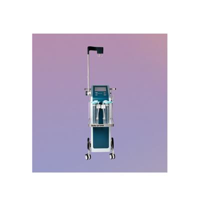 Mit dem Bodyjet ist eine schonende, wasserstrahlassistierte Fettabsaugung möglich. Über einen Hochdruck-Wasserstrahl wird das überschüssige Fettgewebe schonend auch dem Gewebekomplex gelöst